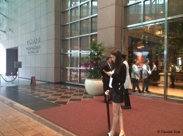 Actress Kim Soo-hyun waiting for an afternoon tea at the Conrad Hotel in S'pore